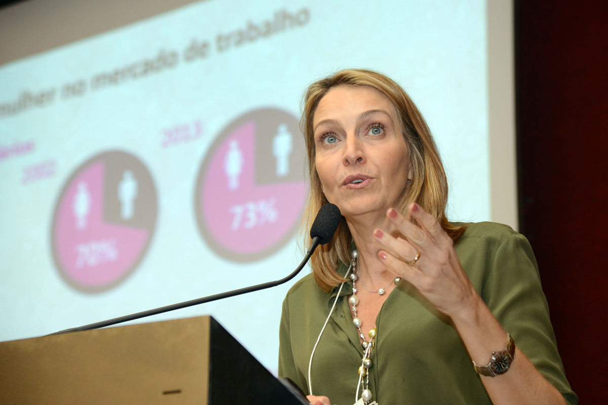 -Diretora-Presidente da InPress PorterNovelli, Kiki Moretti, como palestrante principal